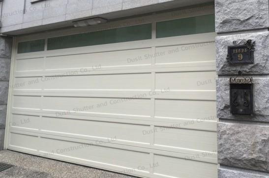 ประตูบานแขวนสีขาว 05