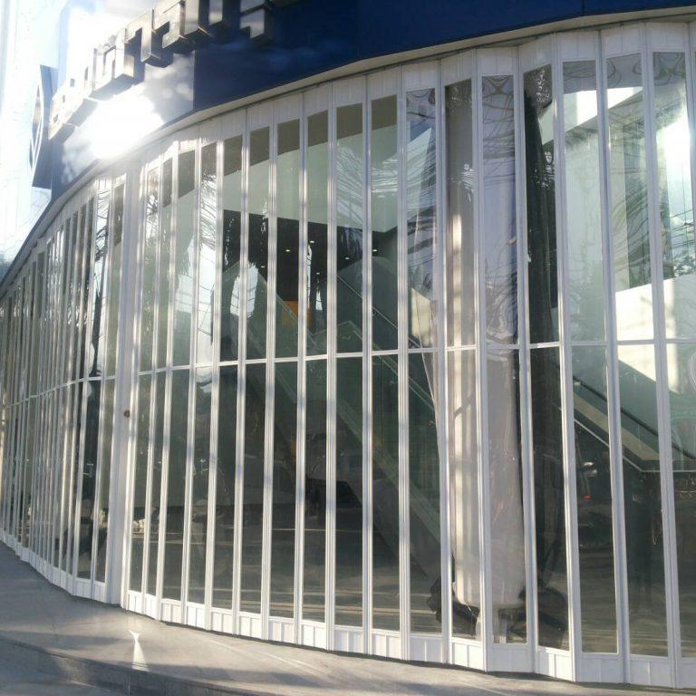 ประตูม้วน แบบ บานเฟี๊ยม ติดตั้งที่ ธนาคาร กรุงเทพ